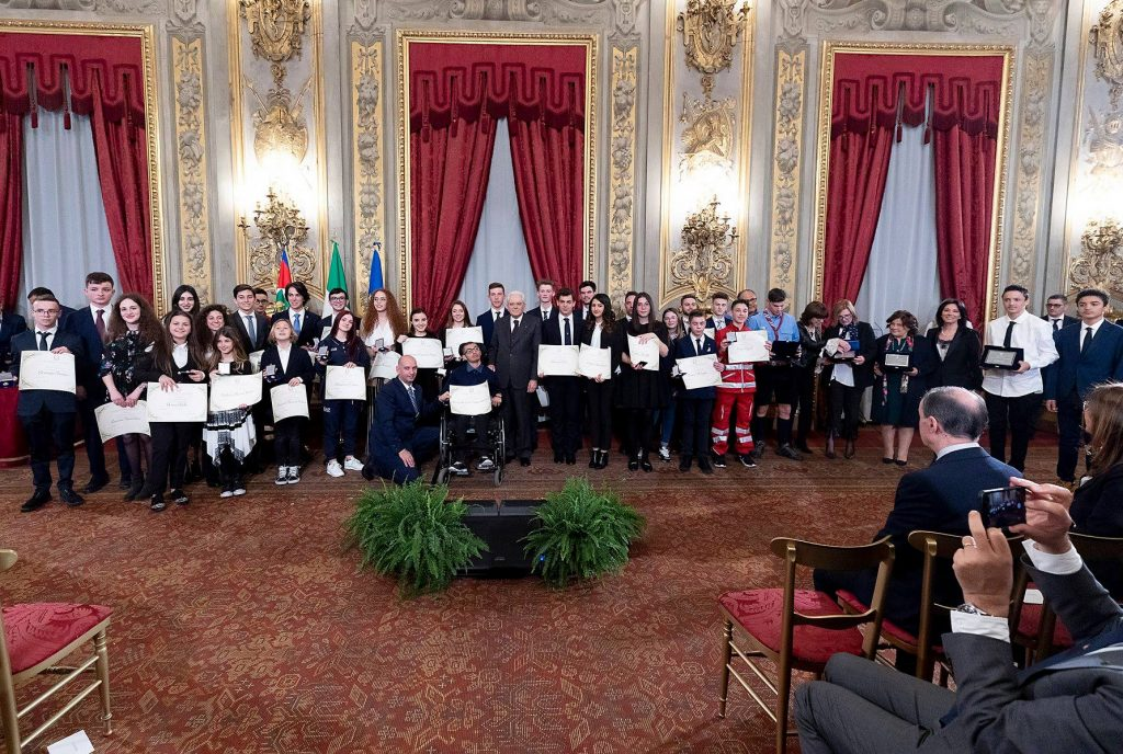 """Mattarella consegna gli attestati """"Alfiere della Repubblica"""""""